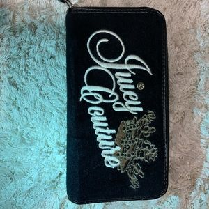 Juicy Couture Zip Up Black Wallet